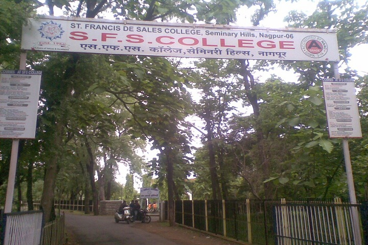 https://cache.careers360.mobi/media/colleges/social-media/media-gallery/17555/2019/3/2/Campus-View of Saint Francis De Sales College Nagpur_Campus-View.jpg