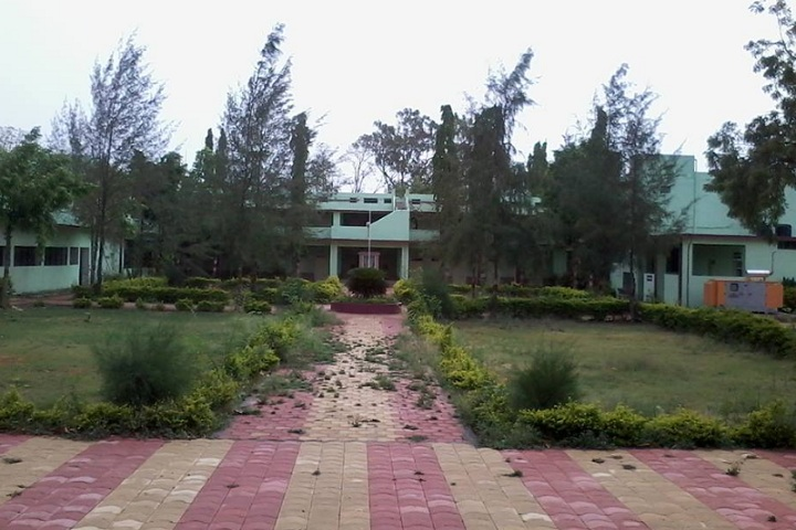 https://cache.careers360.mobi/media/colleges/social-media/media-gallery/17565/2020/2/24/Inner view of Jijamata Mahavidyalaya Buldhana_Campus-View.jpg