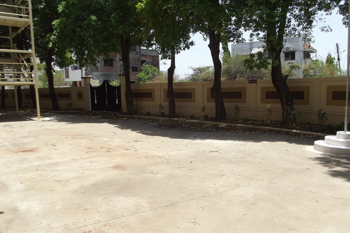 https://cache.careers360.mobi/media/colleges/social-media/media-gallery/17595/2017/12/5/Priyadarshini-College-of-Education-Nagpur1.jpg