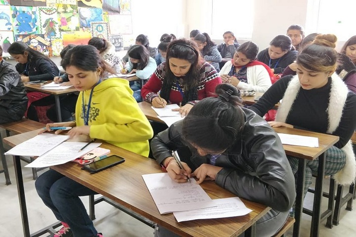 https://cache.careers360.mobi/media/colleges/social-media/media-gallery/17634/2019/3/8/Classroom of International Polytechnic for Women New Delhi_Classroom.jpg