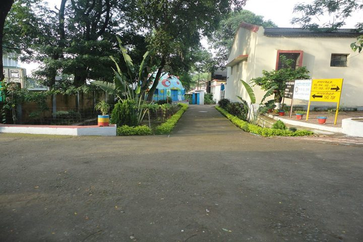https://cache.careers360.mobi/media/colleges/social-media/media-gallery/17665/2019/3/11/College Entrance View of SR Government Polytechnic College Sagar_Campus-View.jpg