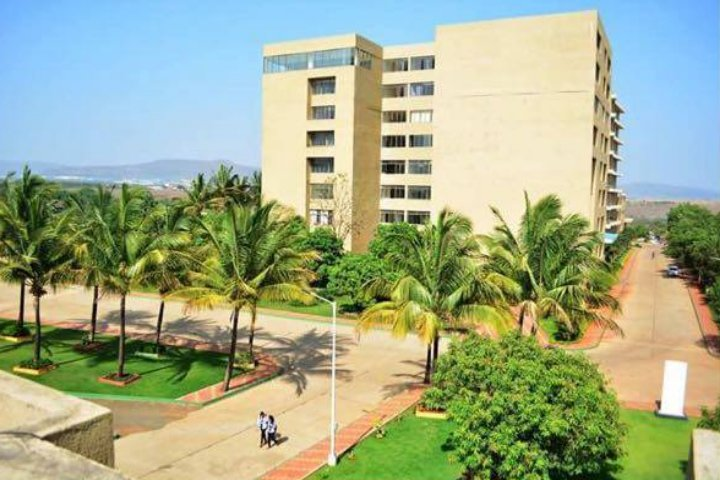 https://cache.careers360.mobi/media/colleges/social-media/media-gallery/17676/2019/2/23/Campus View of DY Patil Polytechnic Ambi_Campus View.jpg