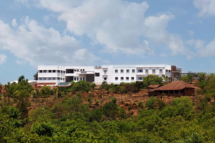 https://cache.careers360.mobi/media/colleges/social-media/media-gallery/17689/2019/3/2/Campus-View of Maharashtra Polytechnic Ratnagiri_Campus-View.jpg