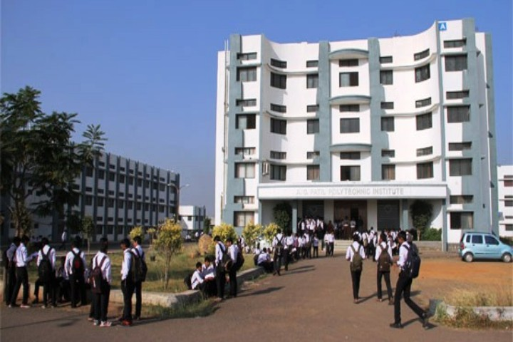 https://cache.careers360.mobi/media/colleges/social-media/media-gallery/17694/2018/9/10/Mail Entrance Campus of AG Patil Polytechnic Institute Solapur_Campus-View.jpg