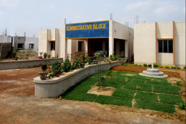 https://cache.careers360.mobi/media/colleges/social-media/media-gallery/17703/2018/9/17/Administrative Block of Government Polytechnic Jajpur_Campus-View.jpg