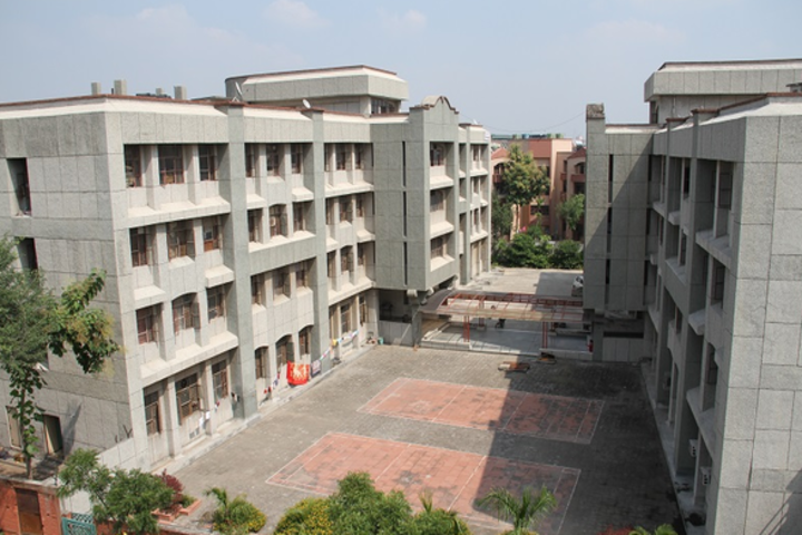 https://cache.careers360.mobi/media/colleges/social-media/media-gallery/17770/2019/3/6/Campus View of Subharti Polytechnic College Meerut_Campus-View.png