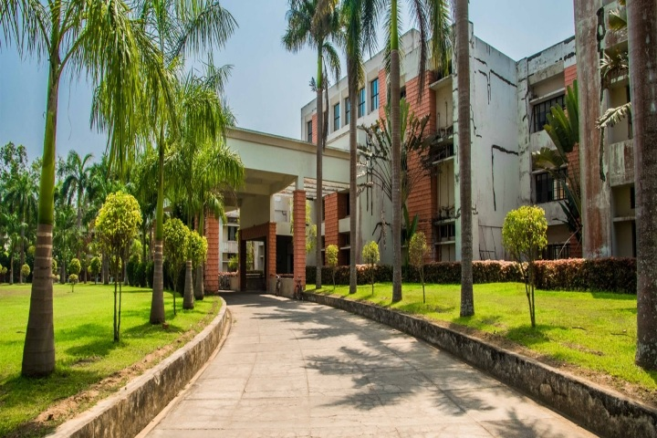 https://cache.careers360.mobi/media/colleges/social-media/media-gallery/17807/2019/4/16/Campus View of Driems School of Hotel Management Cuttack_Campus-View.jpg