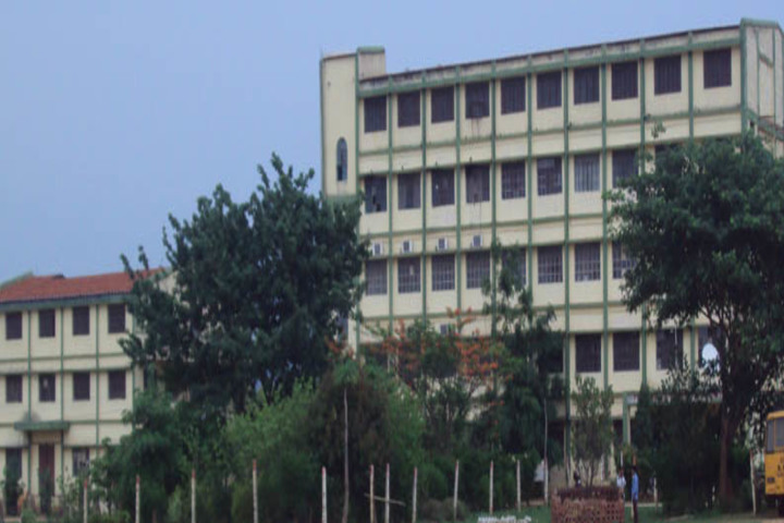 https://cache.careers360.mobi/media/colleges/social-media/media-gallery/17818/2019/3/12/college buildng of Ramgovind Polytechnic Institute Koderma_Campus-view.jpg
