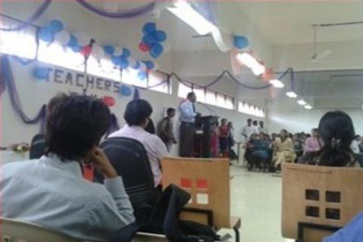 https://cache.careers360.mobi/media/colleges/social-media/media-gallery/17827/2018/8/16/RMD-Sinhgad-School-of-Management-Studies-Pune_Event.jpg