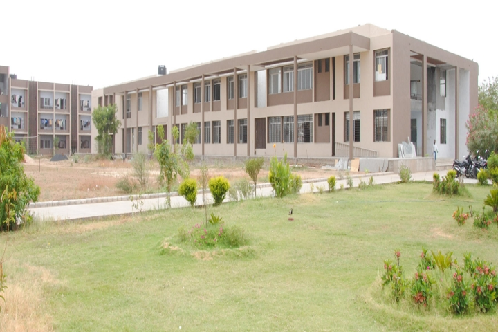 https://cache.careers360.mobi/media/colleges/social-media/media-gallery/17856/2019/1/18/Campus View of Atul Polytechnic Mansa_Campus-view.jpg