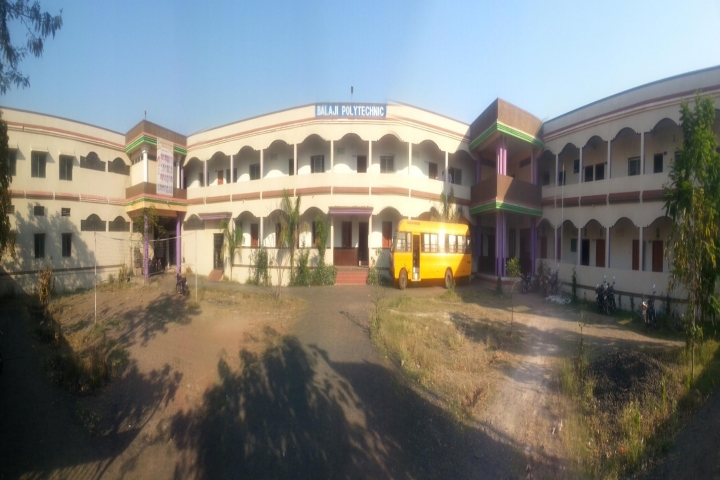 https://cache.careers360.mobi/media/colleges/social-media/media-gallery/17868/2019/1/20/Campus View of Balaji Polytechnic Sawarla_Campus-View.jpg