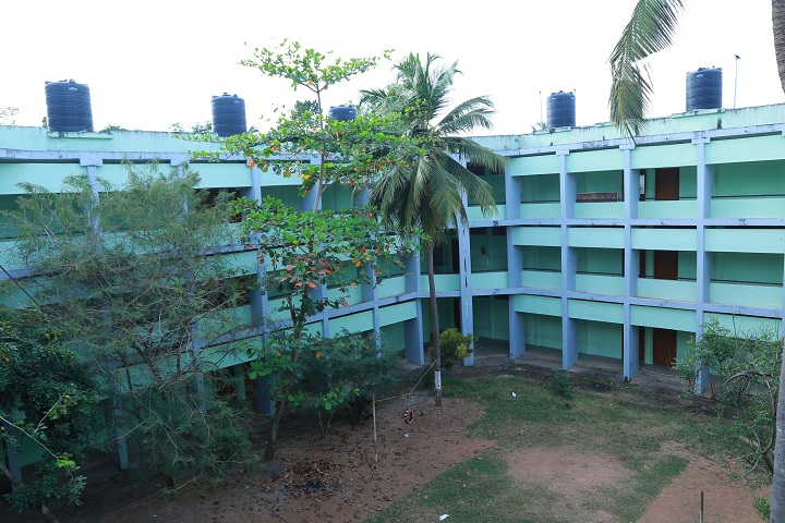 https://cache.careers360.mobi/media/colleges/social-media/media-gallery/17913/2019/3/27/Campus Inside View of Government Polytechnic College Neyyattinkara_Campus-View.jpg