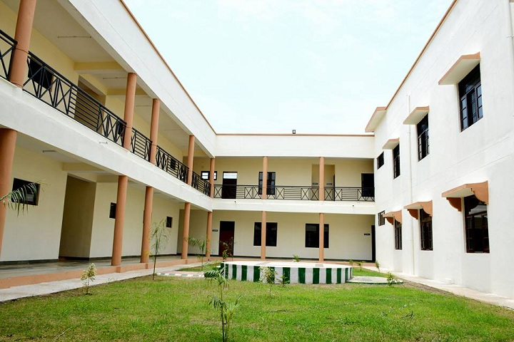 https://cache.careers360.mobi/media/colleges/social-media/media-gallery/17987/2019/3/6/Main Campus View of Government Polytechnic College Kathua_Campus-View.jpg