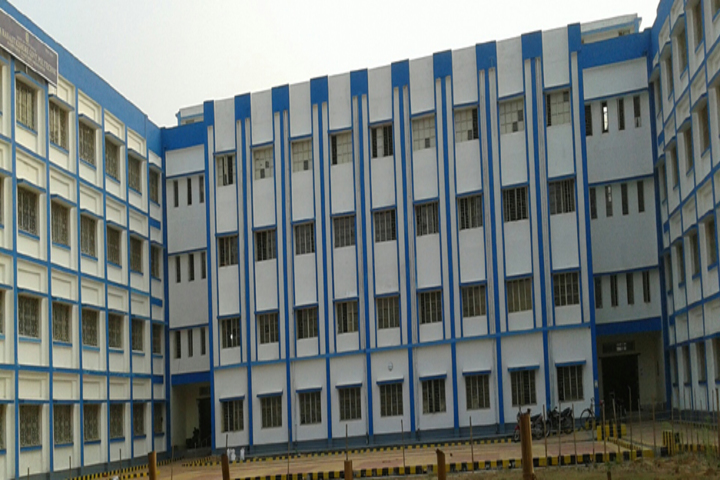 https://cache.careers360.mobi/media/colleges/social-media/media-gallery/18063/2019/1/12/Campus View of Raja Ranajit Kishore Government Polytechnic Paschim Medinipur_Campus View.jpg