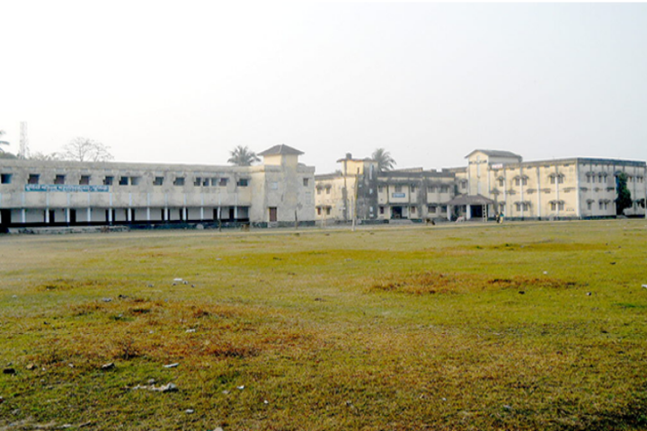 https://cache.careers360.mobi/media/colleges/social-media/media-gallery/18487/2018/12/28/Campus View of Purnea Mahila College Purnea_Campus-View.png