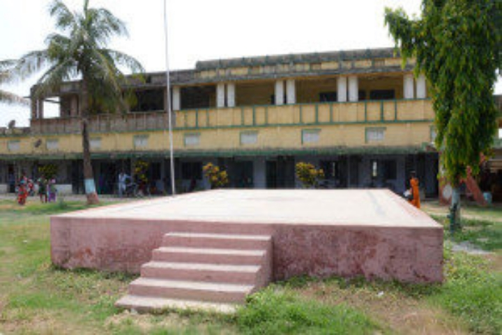 https://cache.careers360.mobi/media/colleges/social-media/media-gallery/18520/2019/7/15/College Building of Kunwar Singh College Darbhanga_Campus-view.jpg