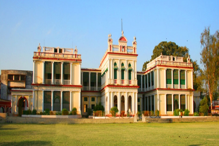 https://cache.careers360.mobi/media/colleges/social-media/media-gallery/18568/2018/12/29/Campus View of Patna College Patna_Campus-View.jpg