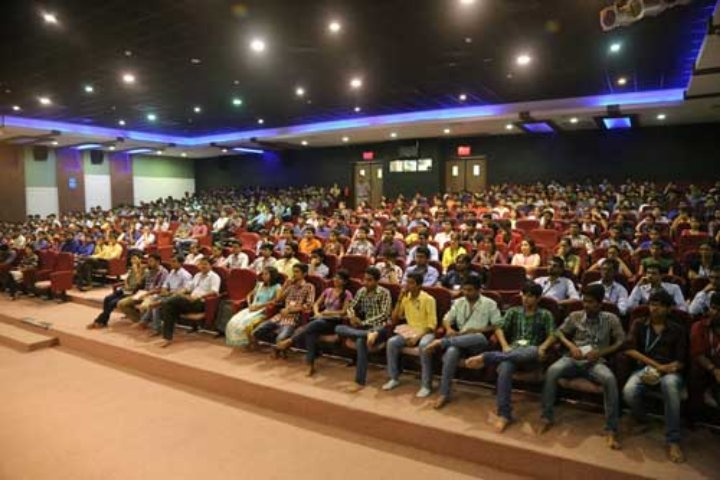https://cache.careers360.mobi/media/colleges/social-media/media-gallery/18773/2017/7/10/Parul-University-Vododara.jpg