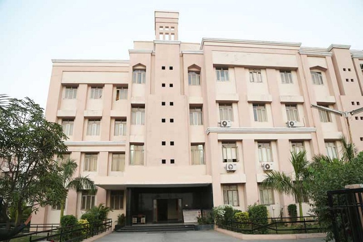 https://cache.careers360.mobi/media/colleges/social-media/media-gallery/18784/2018/10/30/Campus View of Parul Institute of Applied Sciences Vadodara_College View.jpg