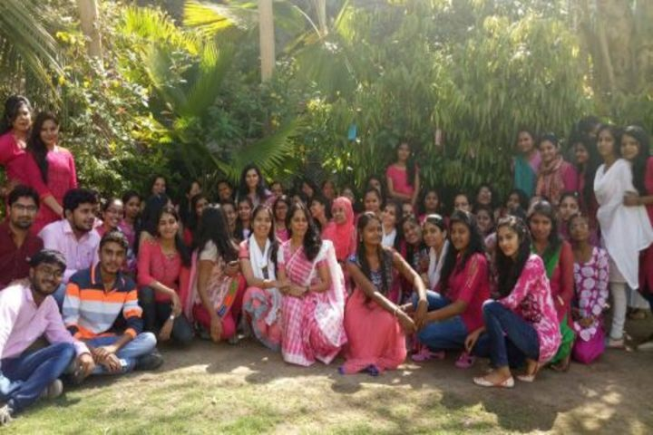 https://cache.careers360.mobi/media/colleges/social-media/media-gallery/18802/2018/10/5/Womens day celebration of SS Patel College of Education Gandhinagar_Events.jpg