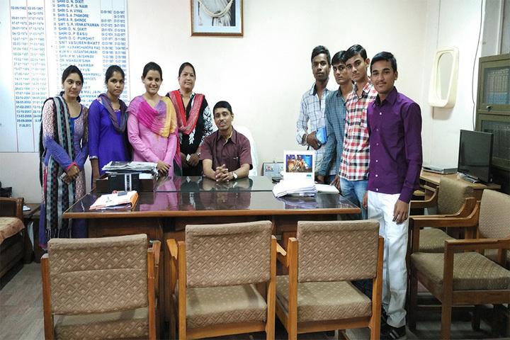 https://cache.careers360.mobi/media/colleges/social-media/media-gallery/18805/2017/7/12/Prakash-College-of-Education-Ahmedabad08.jpg