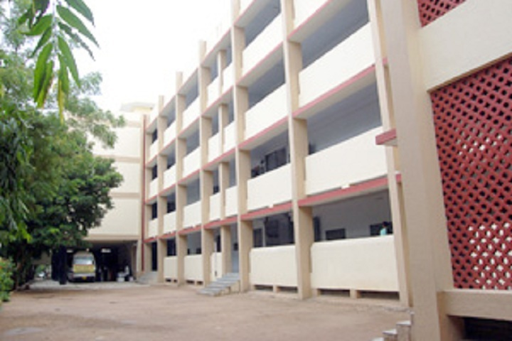 https://cache.careers360.mobi/media/colleges/social-media/media-gallery/18823/2018/12/19/Campus View of Navgujarat College of Computer Application Ahmedabad_Campus-view.jpg