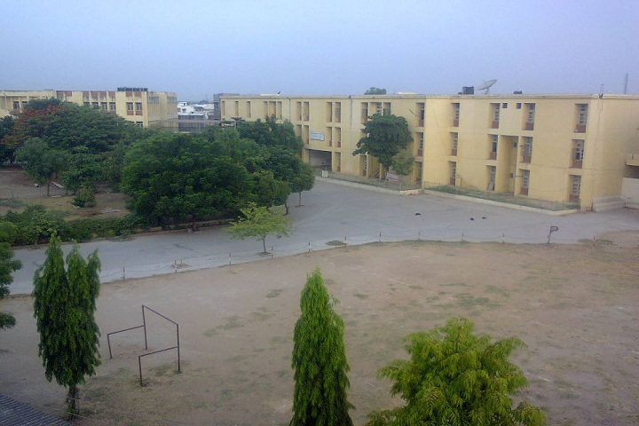 https://cache.careers360.mobi/media/colleges/social-media/media-gallery/18832/2018/12/14/Campus View Of Shri VR Patel College of Commerce Mehsana_Campus View.jpg