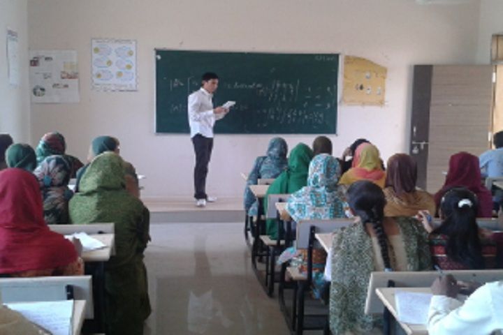 https://cache.careers360.mobi/media/colleges/social-media/media-gallery/18881/2020/1/30/Classroom of Dawood Haji Suleman Moose Jafari College of Science and Technology Sidhpur_Classroom.jpg