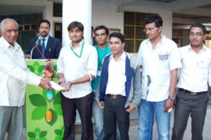 https://cache.careers360.mobi/media/colleges/social-media/media-gallery/18883/2018/2/1/Grow-More-Institute-of-Nursing-Himatnagar2.jpg