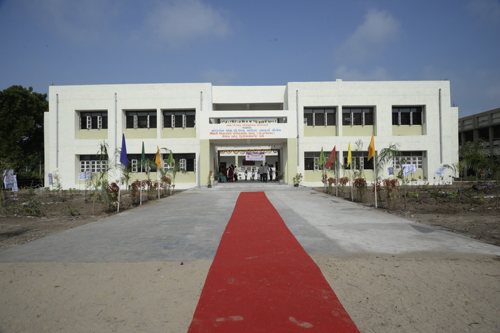 https://cache.careers360.mobi/media/colleges/social-media/media-gallery/18887/2019/1/2/Campus View of Smt SR Shah Rangwala College of Physiotherapy Kadi_Campus View.jpg