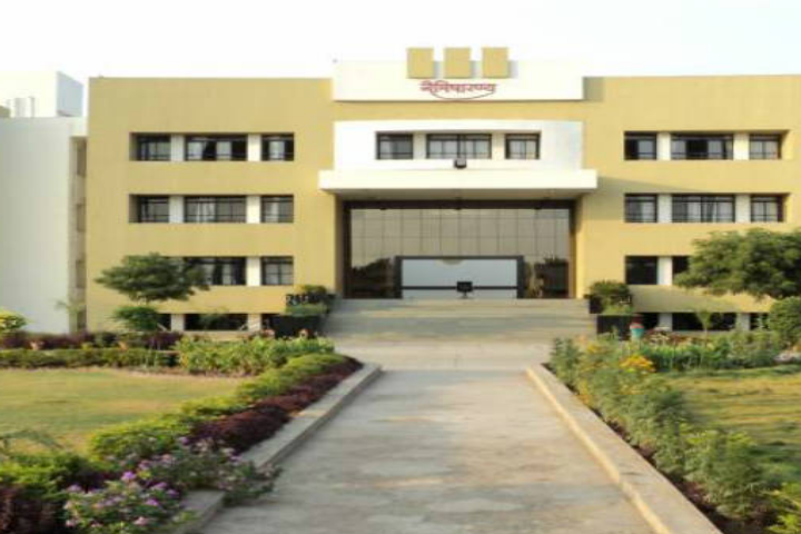 https://cache.careers360.mobi/media/colleges/social-media/media-gallery/18906/2018/12/15/Campus view of Shree Swaminarayan Naimisharanya College of Science Bhavnagar_Campus-view.png