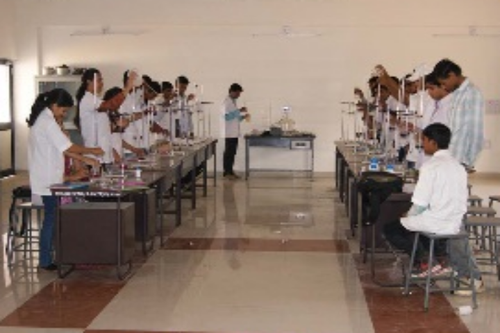 https://cache.careers360.mobi/media/colleges/social-media/media-gallery/18986/2019/4/17/Science Laboratory of College of Renewable Energy and Environmental Engineering Gujarat_Laboratory.png