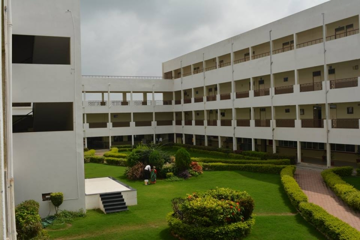 https://cache.careers360.mobi/media/colleges/social-media/media-gallery/1909/2021/1/13/College View of SAGE University Indore_Campus-View.jpg