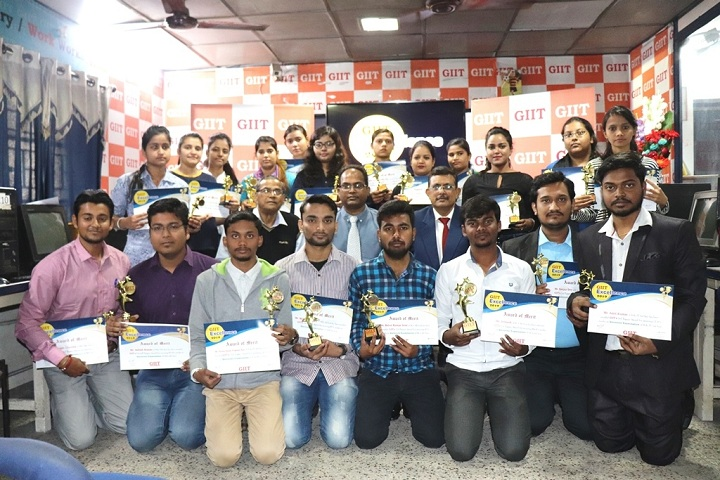 https://cache.careers360.mobi/media/colleges/social-media/media-gallery/19114/2020/6/20/Group photo of GIIT Professional College Jamshedpur_Others.jpg