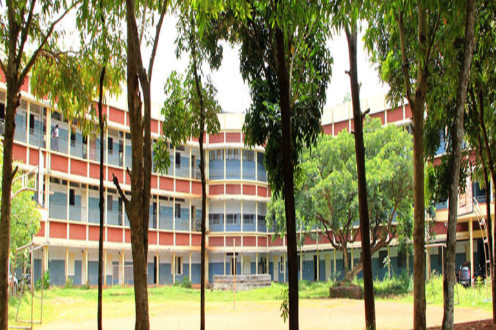 https://cache.careers360.mobi/media/colleges/social-media/media-gallery/19234/2018/10/10/Campusview of Farook B Ed College Malappuram_Campus-View.png