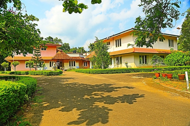 https://cache.careers360.mobi/media/colleges/social-media/media-gallery/19284/2018/10/22/Campus View of St John of God College of Special Education Kottayam_Campus-View.jpg