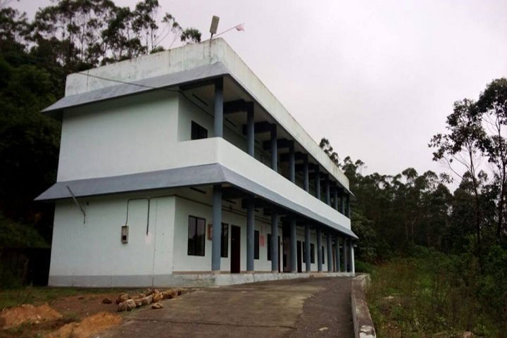 https://cache.careers360.mobi/media/colleges/social-media/media-gallery/19323/2018/11/13/Campus View of Government College, Munnar_Campus-View_1.jpg