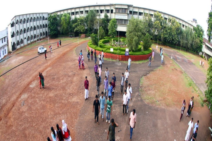 https://cache.careers360.mobi/media/colleges/social-media/media-gallery/19363/2020/2/24/Campus Over View of Pocker Sahib Memorial Orphanage College Tirurangadi_Campus-View.jpg