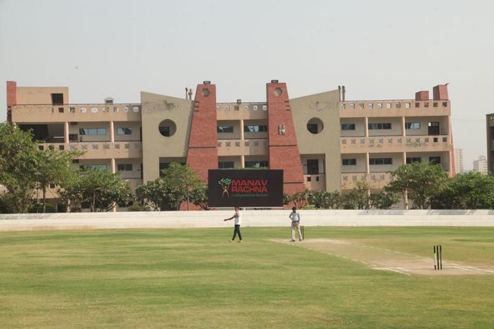 https://cache.careers360.mobi/media/colleges/social-media/media-gallery/1943/2018/7/9/Faculty-of-Engineering-and-Technology-Manav-Rachna-International-University-Faridabad1.jpg