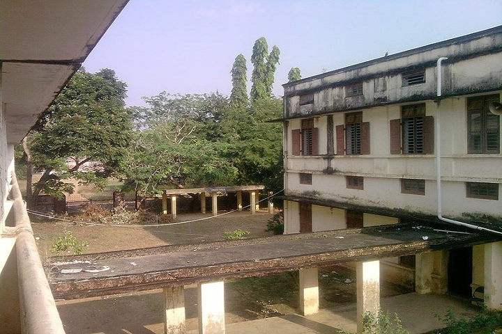 https://cache.careers360.mobi/media/colleges/social-media/media-gallery/19447/2018/11/22/College View of Sree Narayana College Nattika_Campus-View.jpg