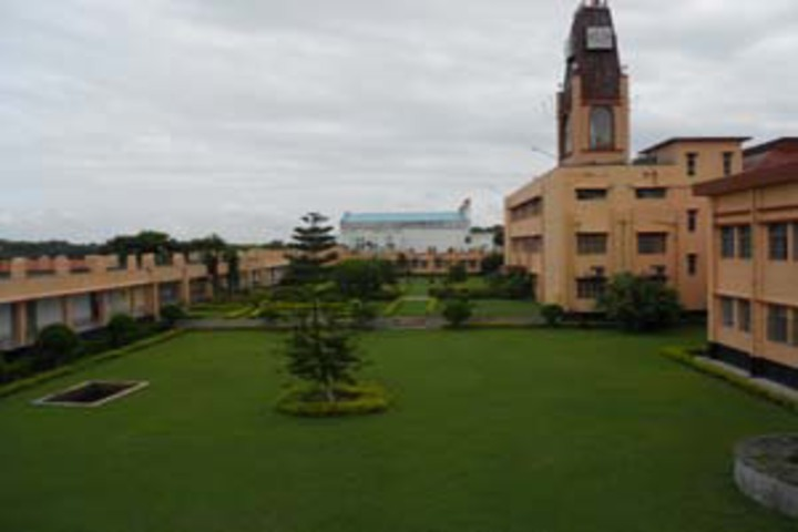 https://cache.careers360.mobi/media/colleges/social-media/media-gallery/19450/2019/5/6/College View of College of Fisheries Central Agricultural University Lembucherra_Campus-View.jpg