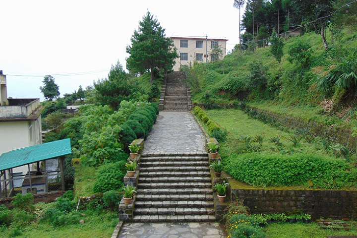 https://cache.careers360.mobi/media/colleges/social-media/media-gallery/19484/2019/5/13/Campus-View of Sazolie College Kohima_Campus-View.png
