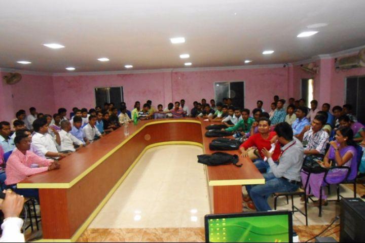 https://cache.careers360.mobi/media/colleges/social-media/media-gallery/19507/2017/8/8/Sanjay-Memorial-Institute-of-Technology-Post-Graduate-Centre-For-Management-Studies-Berhampur1.jpg