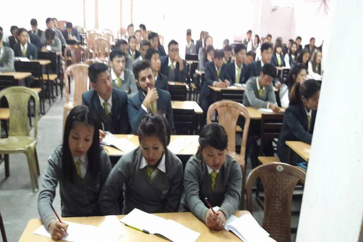 https://cache.careers360.mobi/media/colleges/social-media/media-gallery/19606/2017/8/11/Sikkim-Government-College-Gyalshing06.jpg