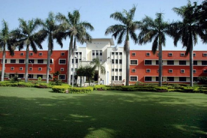 https://cache.careers360.mobi/media/colleges/social-media/media-gallery/19638/2018/11/26/Campus view of Guru Nanak Dev University College Sujanpur_Campus-view.JPG