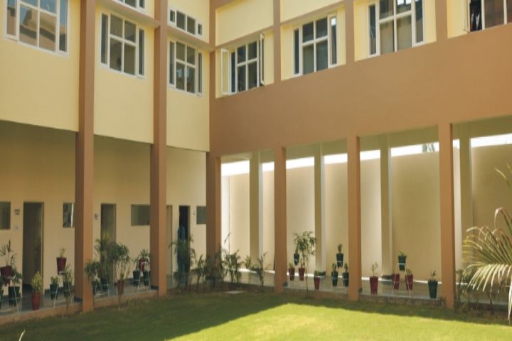 https://cache.careers360.mobi/media/colleges/social-media/media-gallery/19667/2018/12/28/Inside View of Guru Gobind Singh College of Management and Technology Giddarbaha_Campus-View.jpg