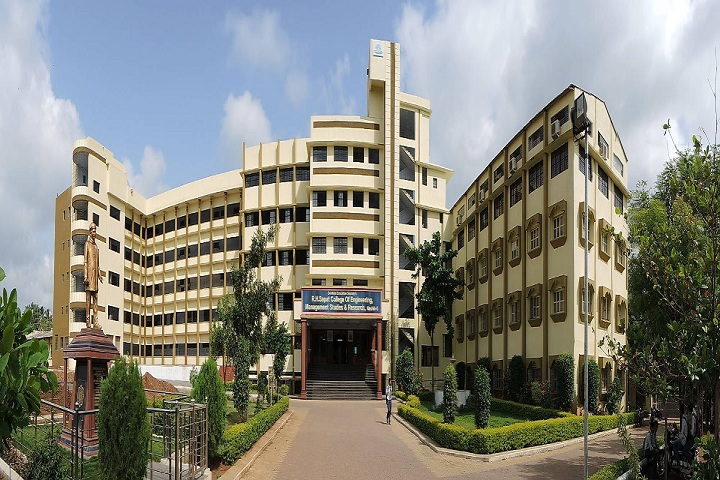 https://cache.careers360.mobi/media/colleges/social-media/media-gallery/1969/2019/3/22/College Building View of of RH Sapat College of Engineering Management Studies and Research Nashik_Campus-View.jpg