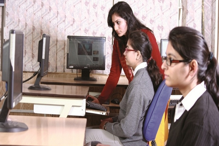 https://cache.careers360.mobi/media/colleges/social-media/media-gallery/19720/2019/12/27/IT-Lab of Shaheed Udham Singh Institute of Computer Mohali_IT-Lab.jpg