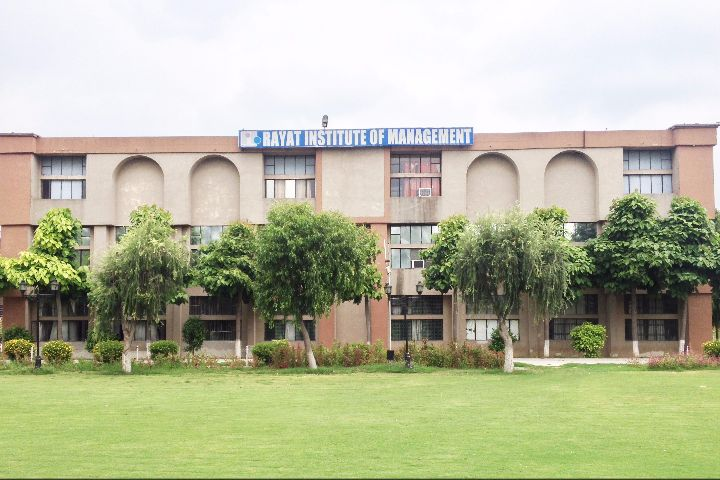 https://cache.careers360.mobi/media/colleges/social-media/media-gallery/19733/2020/10/3/Campus View of Rayat Institute of Management Railmajra_Campus-View.jpg