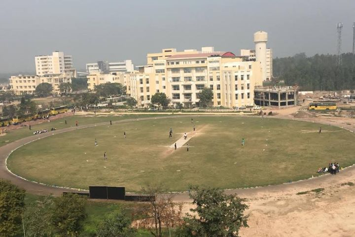 https://cache.careers360.mobi/media/colleges/social-media/media-gallery/19759/2019/2/7/Play Ground of Chitkara University Institute of Engineering and Technology Jhansla_Sports.jpg
